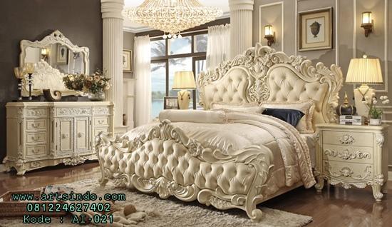 Set Kamar Tidur Mewah Ukir Eskada Royal