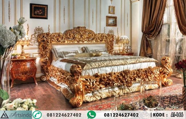 Tempat Tidur Ukiran Gold Leaf