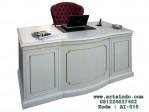 Meja Biro Putih Gold Klasik Moderen