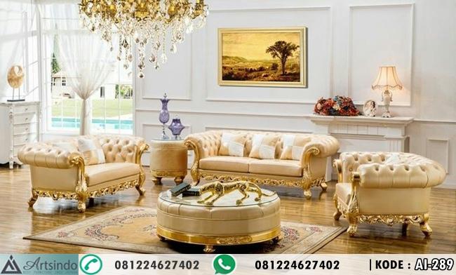 Sofa Tamu Ukir Klasik Elegan Warna Gold