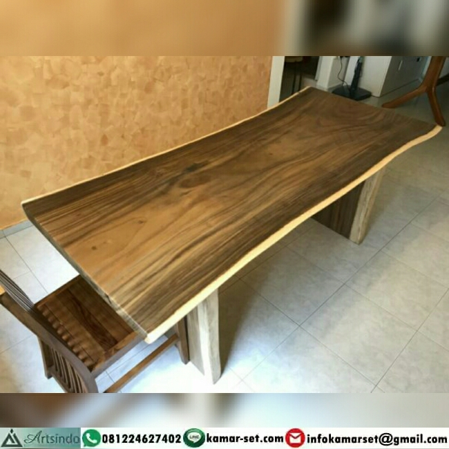 Model Meja Kayu Trembesi Elegan